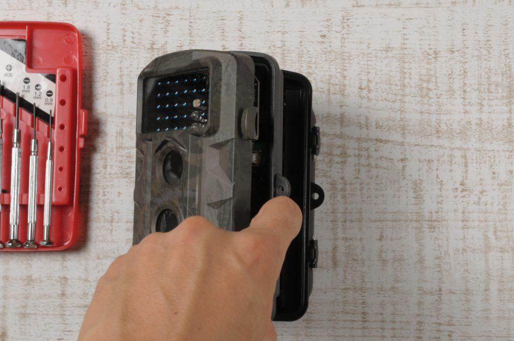トレイルカメラ分解